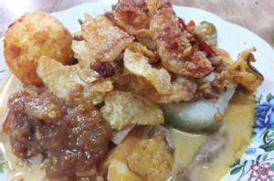 ketupat sayur jakarta rasanya khas banget artikel unik