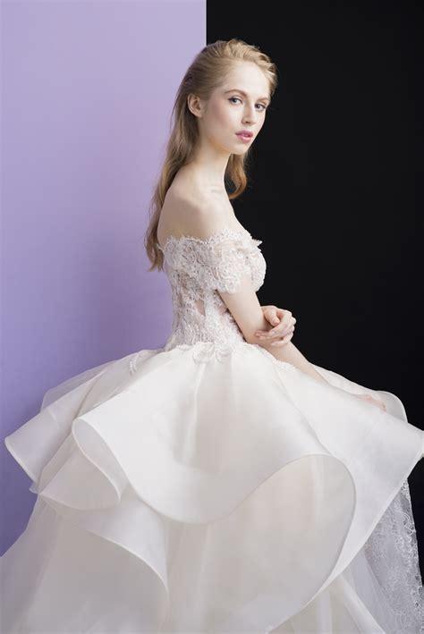 Gaun Wedding 33 bebungaan menjadi sumber inspirasi untuk model gaun pengantin weddingku