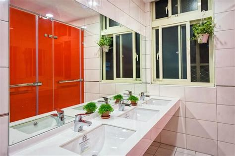 what is a shared bathroom in a hostel shared bathroom picture of meander taipei hostel taipei