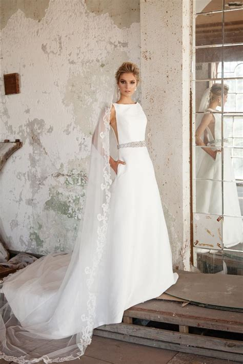 Wedding Dresses Simple by 40 Simple Wedding Dresses With Standout Details Modern