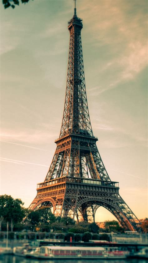 wallpaper for iphone 5 eiffel tower eiffel tower hd wallpaper for iphone 5 hd best background