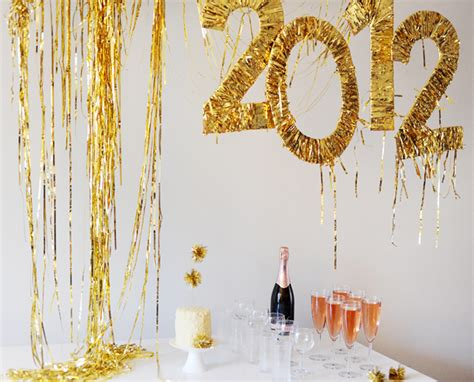 New Year Decorations by 10 Easy New Years Decorating Ideas Sohosonnet Creative