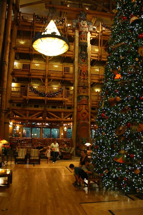 wilderness lodge 2011 christmas decorations and a look