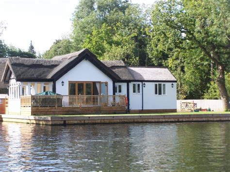 Norfolk Broads Fishing Cottages by Willow Bend Waterside Cottage In The Norfolk