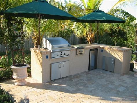 outdoor kitchen florida how to build an outdoor kitchen fabulous transforms a