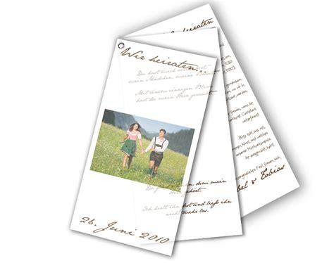 Hochzeitseinladungen Mit Band by F 228 Cher Hochzeitseinladung Mit Foto Typisch