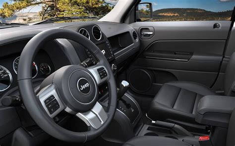jeep renegade 2014 interior comparison jeep renegade 2017 deserthawk vs jeep