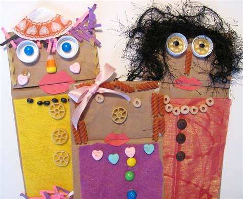 Paper Bag Puppets - the chocolate muffin tree paper bag puppets inspired by