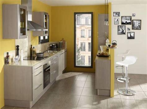 cuisine moutarde les 25 meilleures id 233 es concernant murs de la cuisine