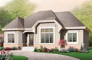 Diseno De Casa en particular este es un plano de casa de estilo colonial cl 225 sico de