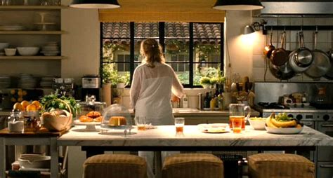 the kitchen movie film review the intern is new old territory for nancy