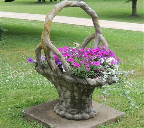 Concrete Flower Basket Planter by Pin By Brown On Yard And Garden Pretties