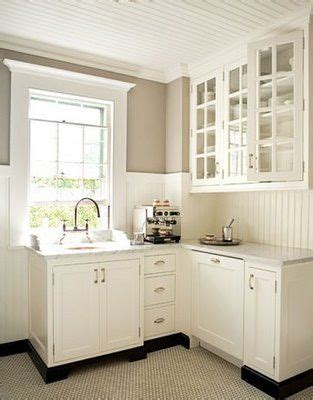 Wainscoting Kitchen by 25 Best Ideas About Wainscoting Kitchen On