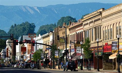 america s best small towns according to rand mcnally sheridan wyoming golf and real estate the powder horn
