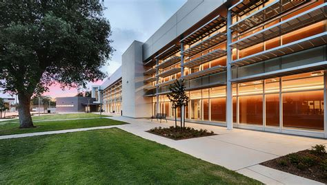fresno architects phillip j pati 241 o school of entrepreneurship architect