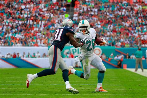 Breket Tv Merk Dolphin 26 55 Inc aqib talib photos new patriots v miami dolphins zimbio