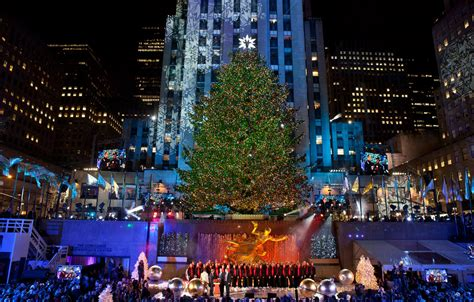 lighting tree rockefeller center 2014 nyc attractions new york sightseeing