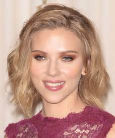 why johansson cut hair scarlett johansson hairstyles for 2017 celebrity