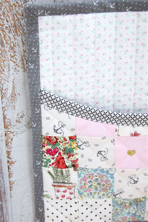 Patchwork Wall Hangers - sewing like minki s work table