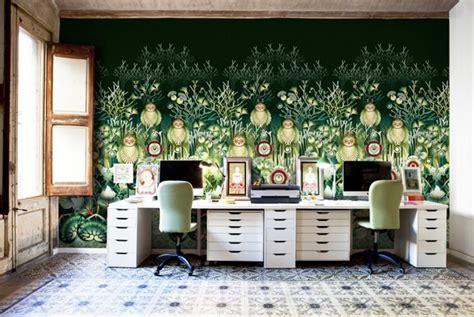 home design trends wallpaper papier peint design artistique aux nuances nostalgiques du