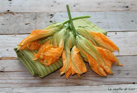 fiori di zucchine fritte fiori di zucca ripieni di ricotta e fritti