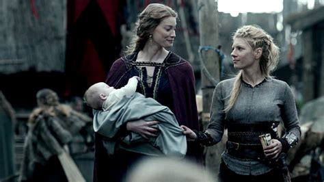 how did lagertha die in history vikings star alyssa sutherland on the show s shocking