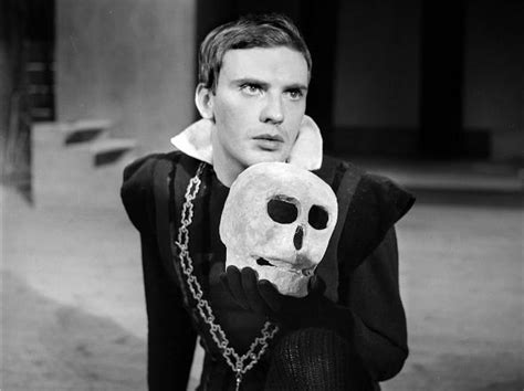 themes evident in hamlet hamlet www pixshark com images galleries with a bite