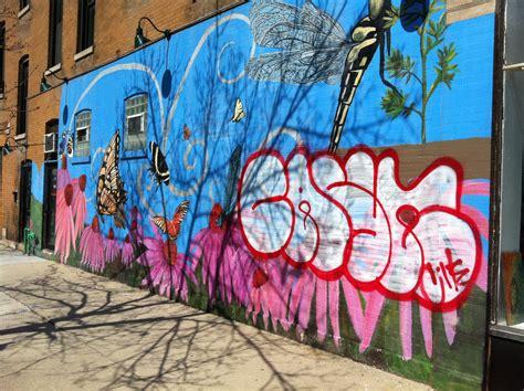 whats  difference  street art  graffiti