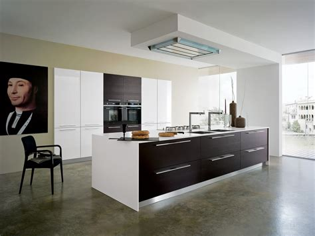 Ordinaire Construire Une Hotte De Cuisine #2: cuisine-design-blanche-cuisine-montpellier.jpg