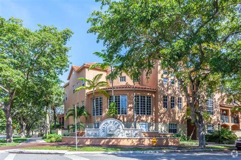 Apartments In Miami Lakes 33015 The Golfside Villas Rentals Hialeah Fl Apartments