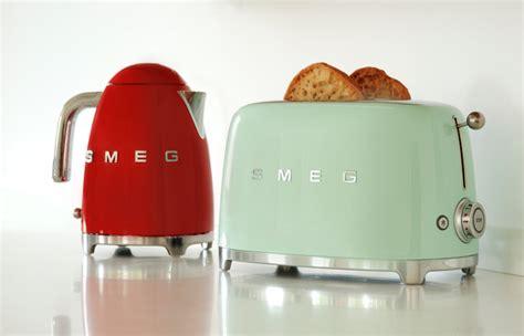 Kitchenaid Kettle And Toaster Smeg Klf01rduk 50 S Retro Style Kettle Klf01rduk Red