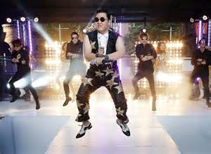 psy hits his next view count milestones for daddy and gangnam style first to 1 billion youtube views otago