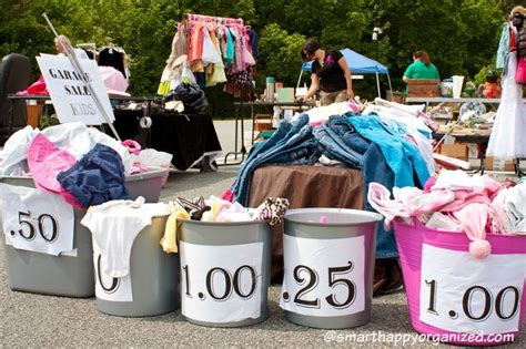Best Way To Organize A Garage Sale by 25 Best Ideas About Garage Sale Tips On Yard