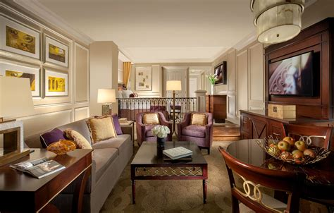 The Venetian Rooms by Make A Suite Escape To The Venetian In Las Vegas Las