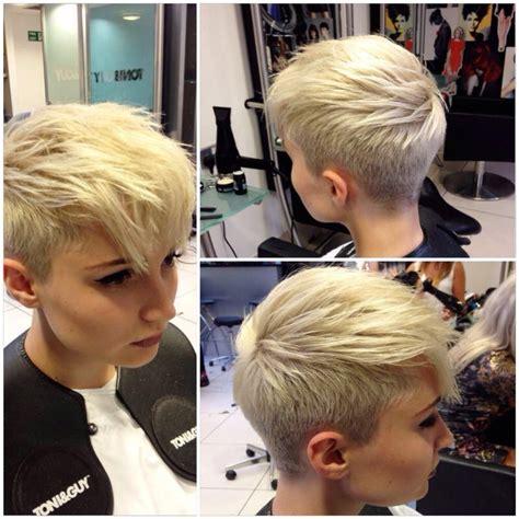 short hairstyle blonde in front black in back pixie faux hawk chop chop pinterest pixie faux hawk