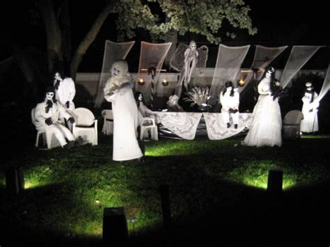 scary front yard decorations the best front yard decorations for 15 pics
