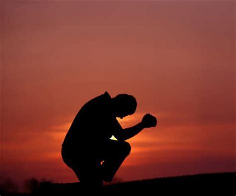 imagenes de un hombre orando a dios el coraz 243 n obediente predicas de bryan maldonado