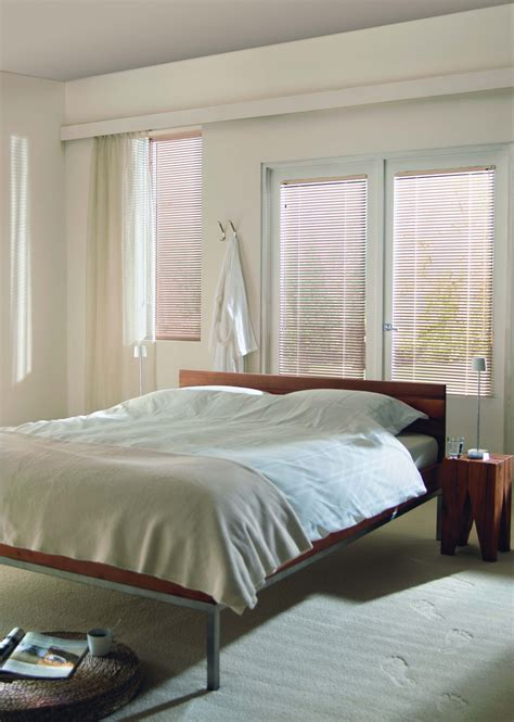 white bedroom blinds white bedroom blinds 28 images best 25 white bedroom