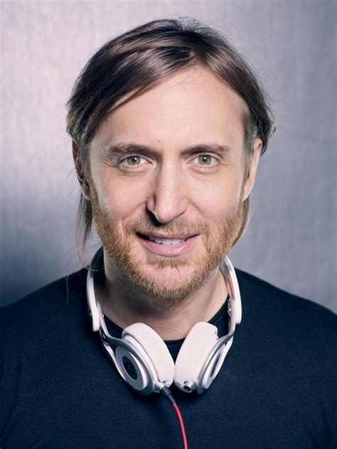 david guetta house music david guetta hits 40 million fans on facebook gives away r3hab s remix of play