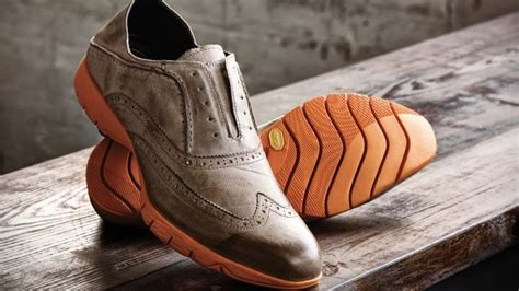 hush puppies running shoes these hush puppies vibram wingtip shoes are so dumb they