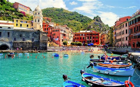 italy travel guide the real travel guide with stunning pictures from the real traveler all you need to about italy books cinque terre italy travel guide hike and dive xcitefun net