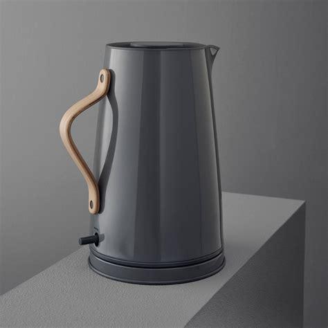 moderne wasserkocher stelton wasserkocher grau 1 2 l edelstahl buchenholzgriff