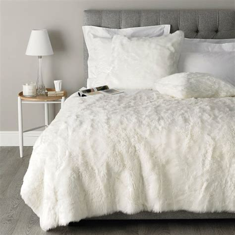 white fur comforter pin by maddie sorensen on bedroom home ideas pinterest