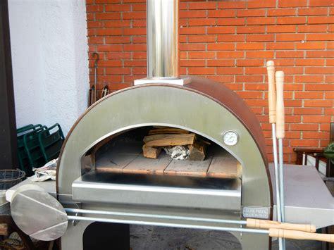 forno a legna in casa mauro e la pizza fatta in casa con il forno alfapizza