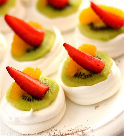Pavlova with kiwi and strawberry   cook   Gallery   misspastry