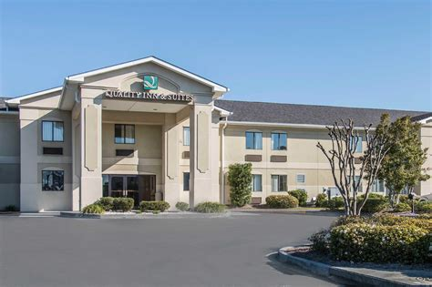 quality inns and suites quality inn suites port wentworth