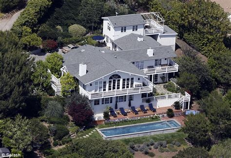 Malibu Detox Retreat by Lindsay Lohan Developed 5 000 A Day Shopping