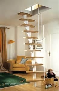 treppe zum dachboden einbauen 220 ber 1 000 ideen zu stauraum unter der treppe auf
