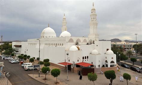 Sajadah Plus Kompas Kiblat Q828 wajibnya mengunjungi masjib qiblatain yang indah alhijaz