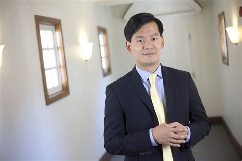Financing Tuck Mba by Tuck School Of Business Ing Haw Cheng Receives